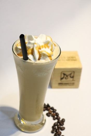 Cách làm Caramel Coffee Ice Blended hương vị quyến rũ