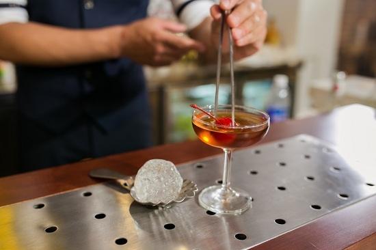 Môi trường làm việc chuyên nghiệp của bartender