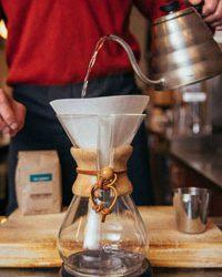 Hướng Dẫn Cách Pha Cafe Bằng Bình Chemex Không Cặn