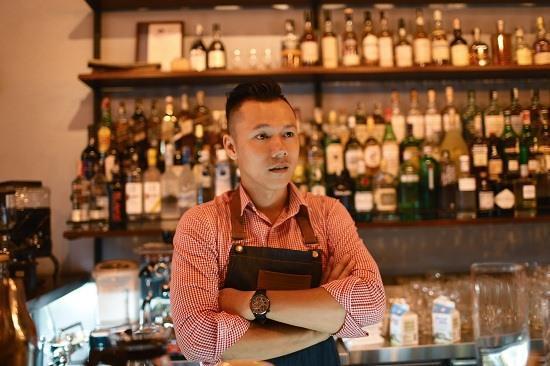 Bartender Phạm Minh Tân