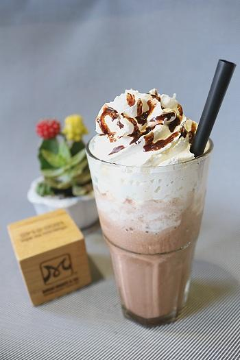 cinnamon chocolate ice blended