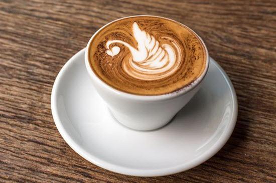 hình ảnh latte art thiên nga