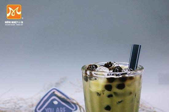 hình ảnh ly trà sữa có nguyên liệu trân châu