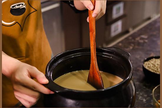 nấu trà sữa từ bột sữa