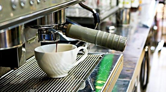 nghề barista pha chế cafe