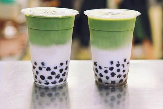 pha trà sữa matcha trân châu