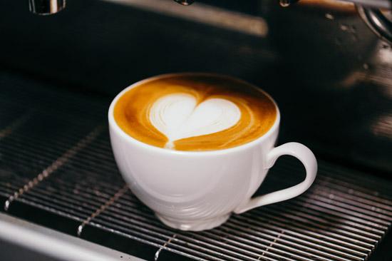 thành phẩm latte art trái tim