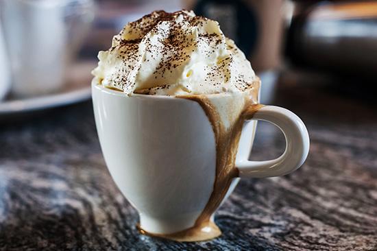 món cafe espresso con panna